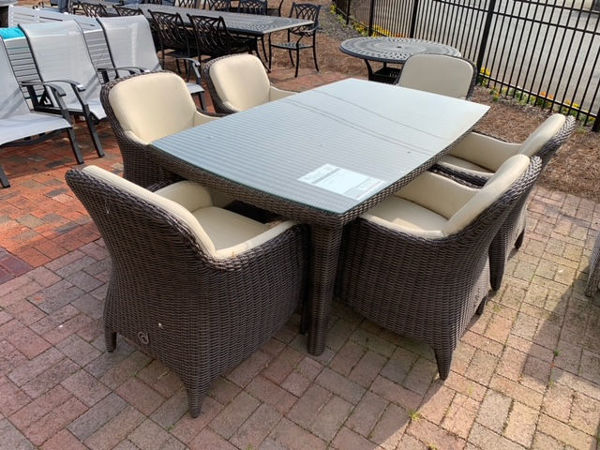Luxor Dining Set Greensboro Clearance